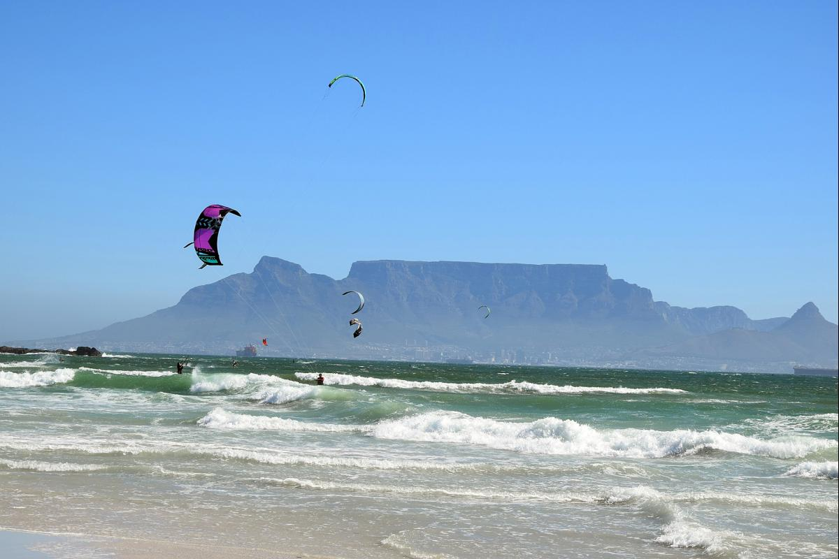 kitesurfing spots in cape town
